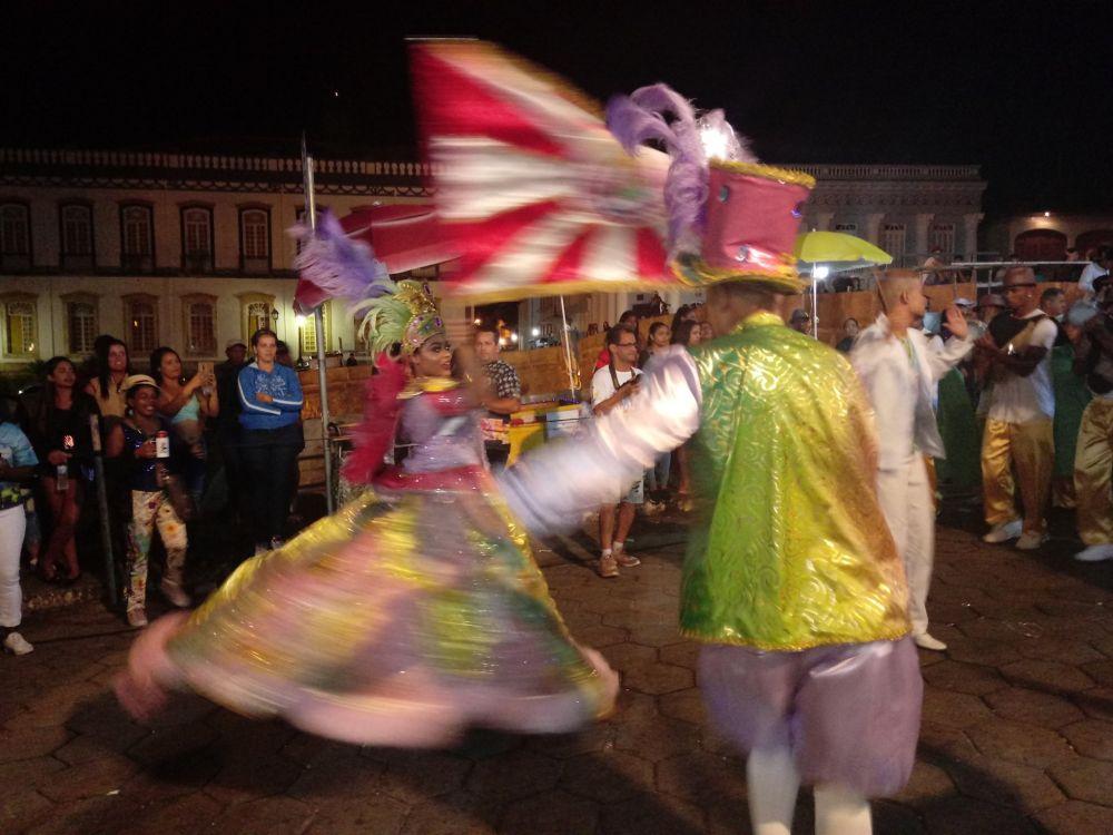 Mestre Sala e Porta Bandeira da GRES Girassol. Foto: Luciano Nascimento