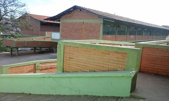 E. E. Teobaldo Tollendal em Barbacena correu o risco de fechar. Foto: internet