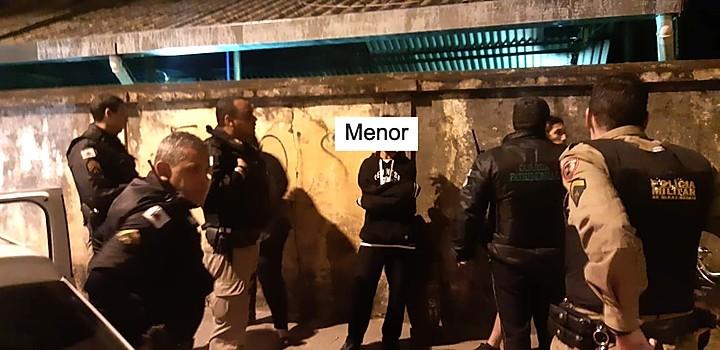Dois menores suspeitos de pichação em São João del-Rei. Foto: redes sociais