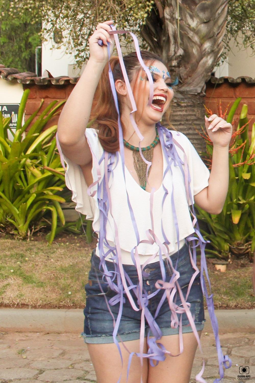 No bloco ou na escola de samba arrase neste carnaval