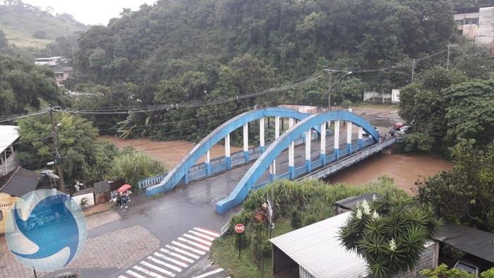 Rio das Mortes no município de Barroso está quatro metros acima do normal. Foto: Barroso em Dia
