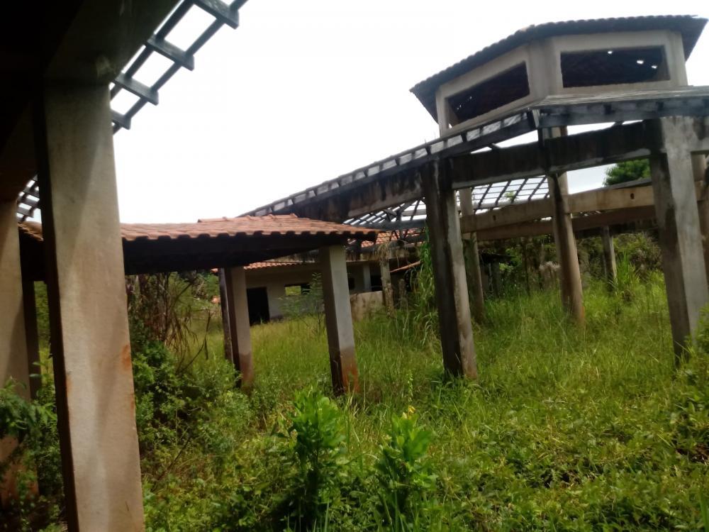 Descaso com obras públicas em São João del-Rei. Foto: Mais Vertentes
