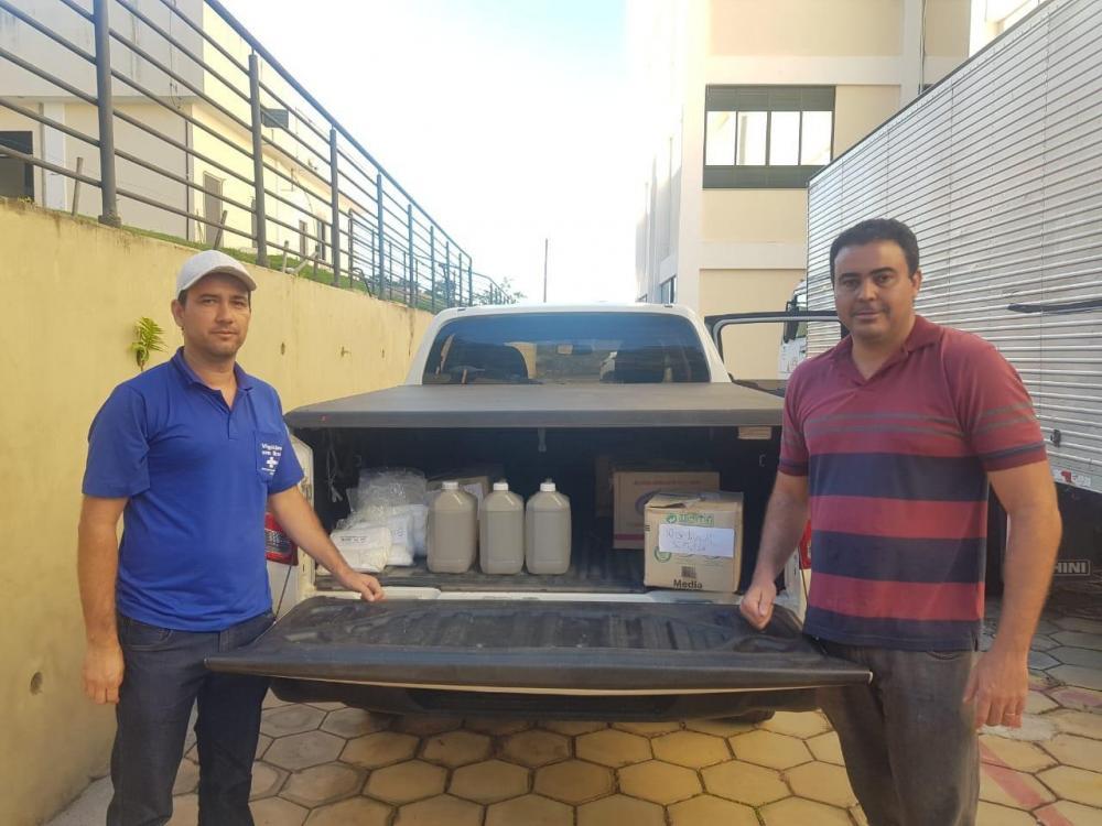 Universidade Federal de São João del-Rei - Campus Divinópolis realizou a doação de 100 litros de álcool em gel à Semusa. Foto: G37