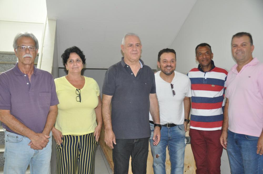 Nivaldo Andrade (ao centro) e José Marcos de Andrade (à esquerda) na UPA de SJDR no final de 2019. Foto: Pref. Municipal de SJDR