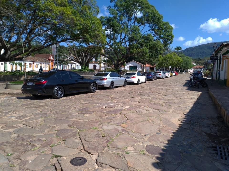 Cidades mineiras fecham entradas e poderão restringir turistas durante 'feriadão' de São Paulo