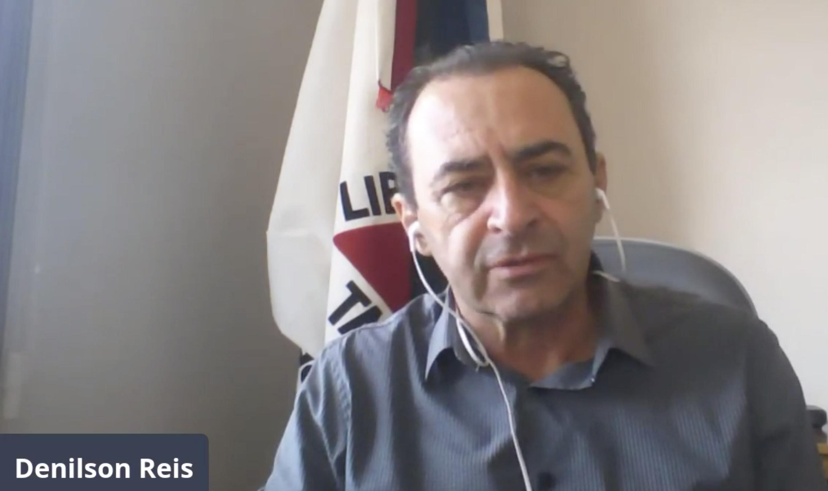 Prefeito de São Tiago, Denilson Reis, em vídeo transmitido pela internet.
