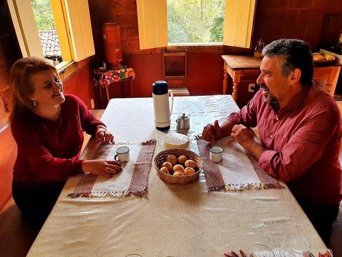 Gustavo Gastão e Kátia Franco anunciam pré-candidatura para prefeitura de Prados pelo PT. Foto: Prados Online