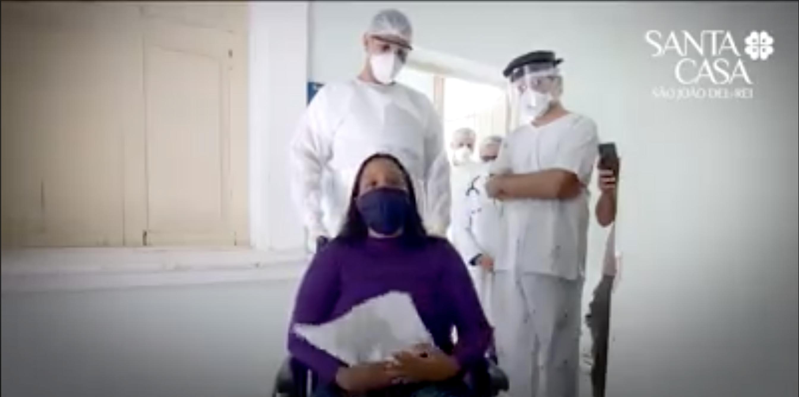 São João del-Rei: Paciente em estado grave da COVID-19 se recupera e emociona em vídeo divulgado pela internet